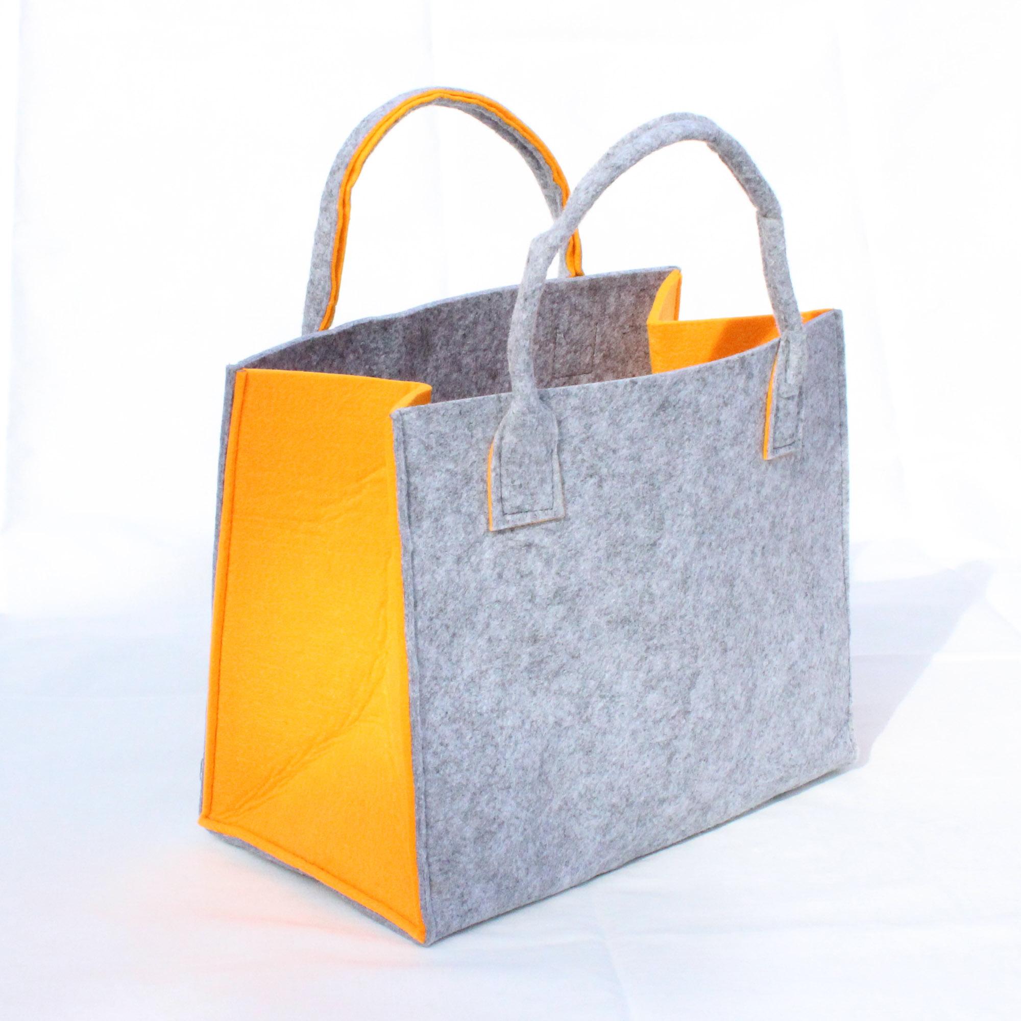f12f72fd8a25c hellgraue-filztasche-mit-orangen-schmalseiten-35x20x28cm-ohne henkel